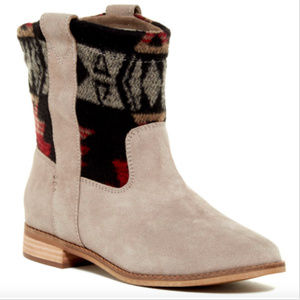 TOMS Women's Beige Desert Taupe Suede Boots